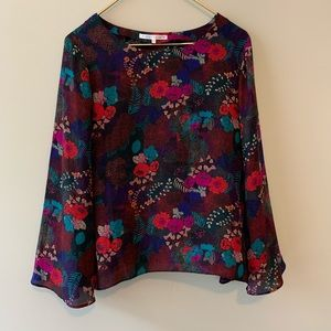 Violet and Claire l/s pullover floral blouse sz M